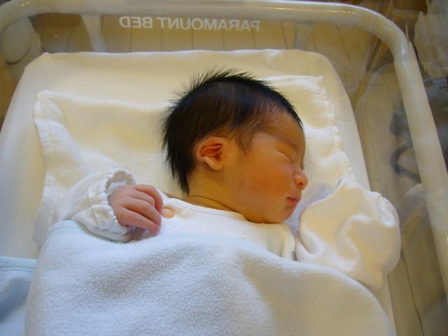 新生児 寝ない